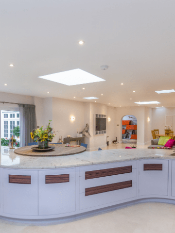Unusual curved kitchen